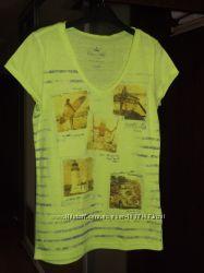 Продам футболку на девушку фирмы Colins размер XS.