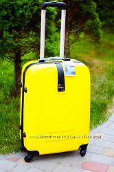 Качество Средний желтый чемодан пластиковый Польша Валіза жовта пластикова