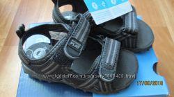 Крутые сандалики Stride rite