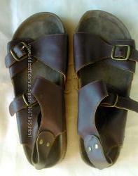 Шлепанцы Petits Petons р. 36 кожа коричневые на ремешках с пряжками