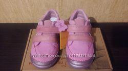 Продам детские кроссовки D. D. Step на девочку