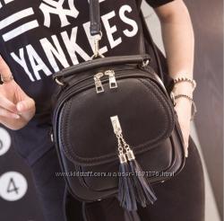 Сумка - рюкзак женская  черная