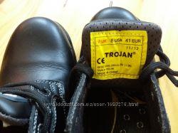 Рабочие мужские ботинки со стальными вставками в носках 40р