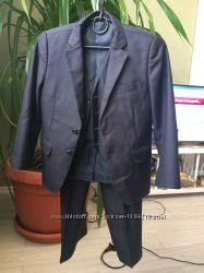 продам школьный костюм тройка на 1-3 класс
