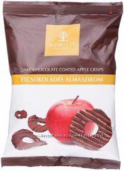 Конфеты Nobilis яблочные чипсы в черном шоколаде Barry Callebaut 50 г.