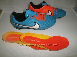 Подростковые футбольные бутсы Nike