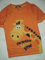 Дешевая фирменная одежка на мальчугана на 3-4 года