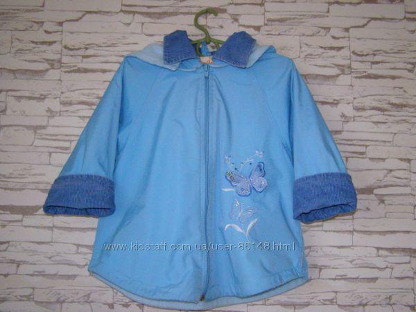 Демисезонная курточка на флисе на рост 92 см в отличном состоянии